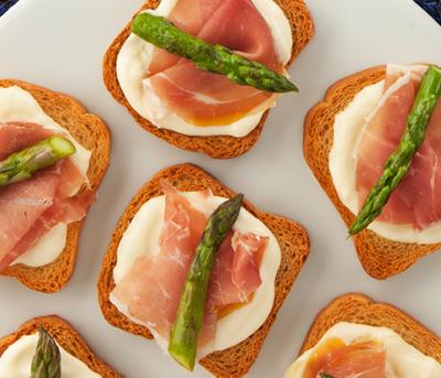 Bruschetta de Aspargos e Parma
