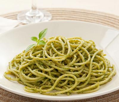 Espaguete ao Pesto Genovês  Adria