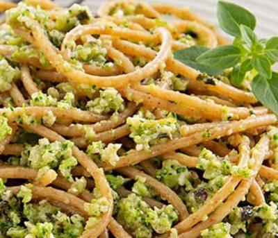Espaguete ao Pesto de Brócolis
